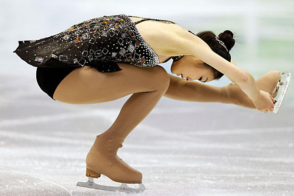 "Yu-Na kim - ""Queen Yu-Na""  2010 Winter Olympics 007 James bond medley"